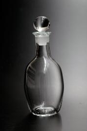 栓付きボトル